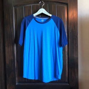Men's Old Navy t-shirt